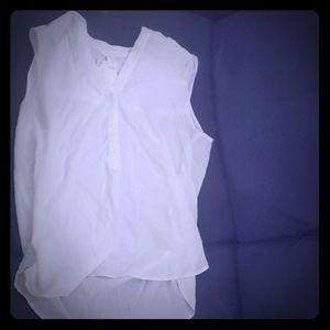 Sleeveless loose tunic shirt white
